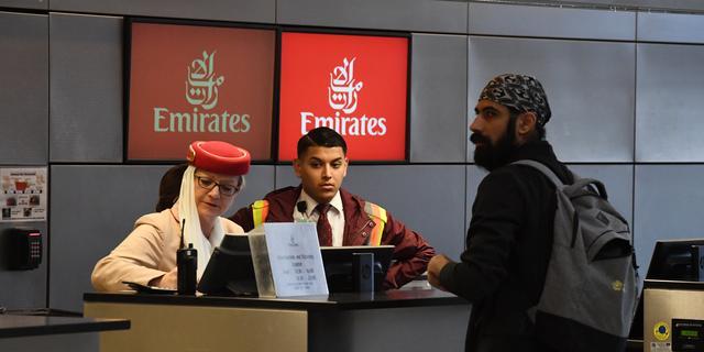 Emirates stopt met vluchten naar Tunesië na rel om weigeren vrouwen
