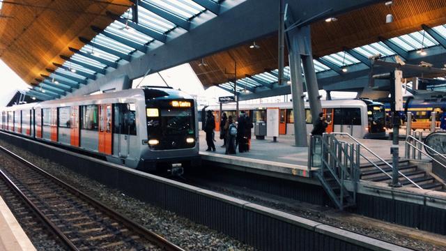 Passagier mishandeld door groep jongens in metro 54