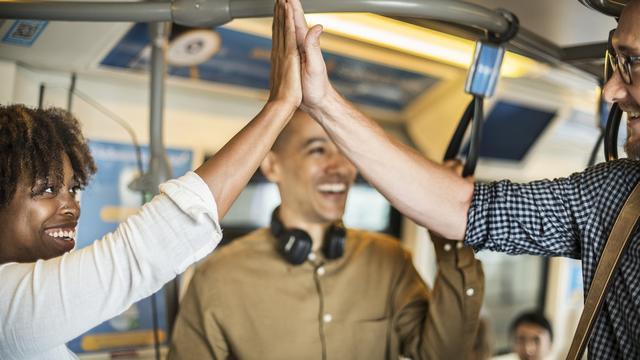 Hoe je volgens wetenschappers vrienden maakt (en houdt)