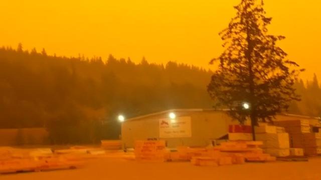Lucht in Canada kleurt oranje door smog