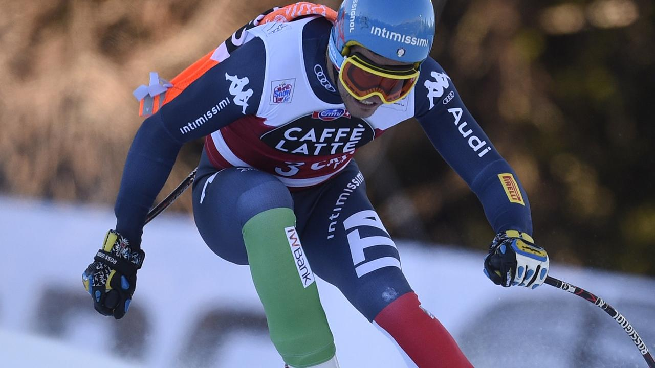 Skiër neemt poortje mee tijdens afdaling