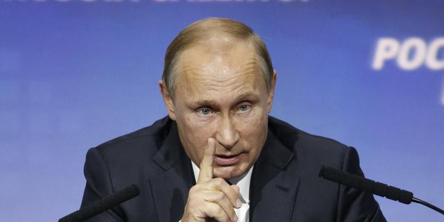 Poetin noemt neerhalen Russisch toestel door Turkije 'mes in de rug'