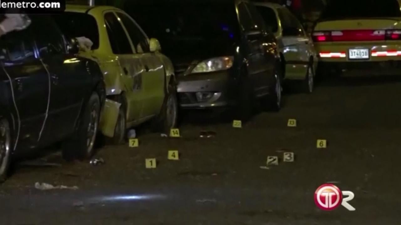 Panama treurt om doodgeschoten international Henriquez