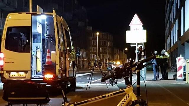 Automobilist rijdt door na ongeval met fietser (23) op Adelaarsstraat