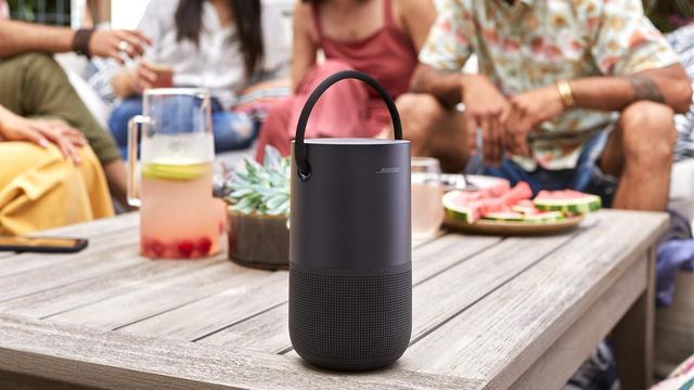 Bose toont bluetoothspeaker met ondersteuning voor stemassistenten