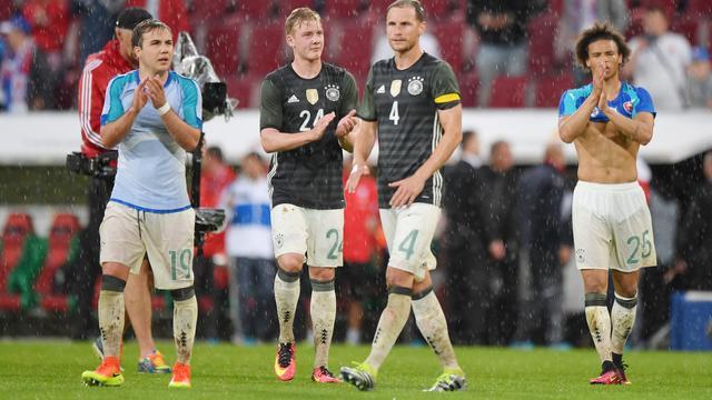 Pijnlijke nederlaag Duitsland in oefenduel, Spanje wint van Bosnië