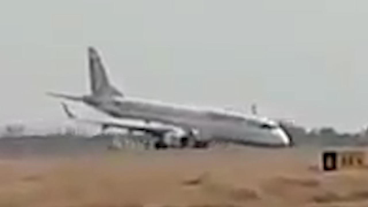 Vliegtuig schuurt over landingsbaan bij noodlanding in Myanmar