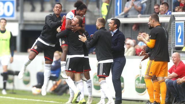 Van Bronckhorst baalt stevig van terugval Feyenoord bij Heerenveen