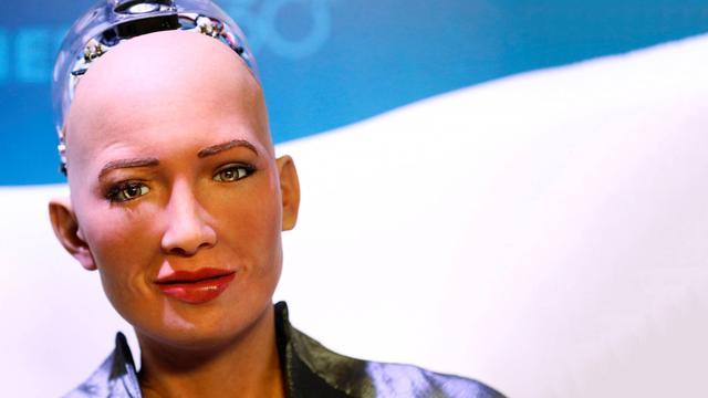 Robot die superveel op mens lijkt, kan ook tekenen