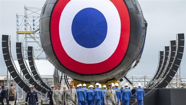 Wateroverlast in Hilversum | Frankrijk onthult nieuwe onderzeeër