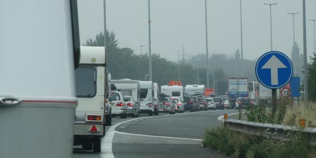 Nieuwe controle Sloveens-Oostenrijkse grens leidde tot 12 uur in de file