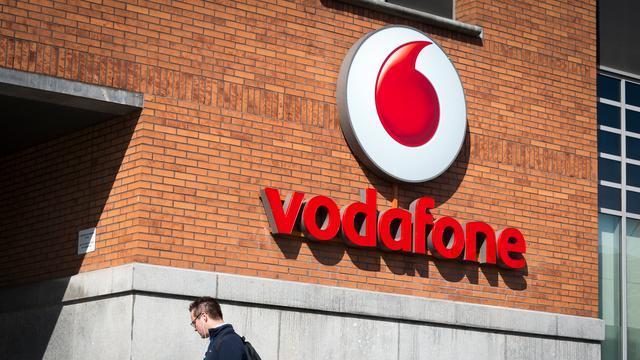 Vodafone verhoogt winstprognose voor hele jaar