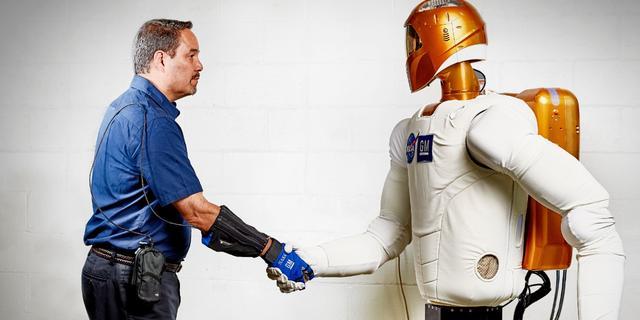 Fabrieken gaan robothandschoen NASA inzetten