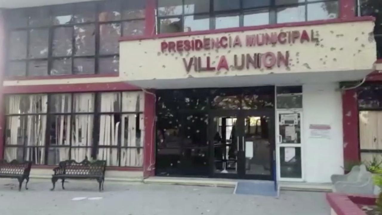 Stadhuis in Mexico met kogels doorzeefd na vuurgevecht