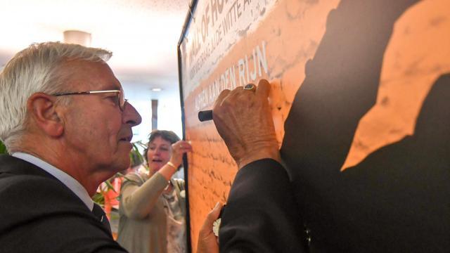 Wall of Honour geopend in Alphens gemeentehuis