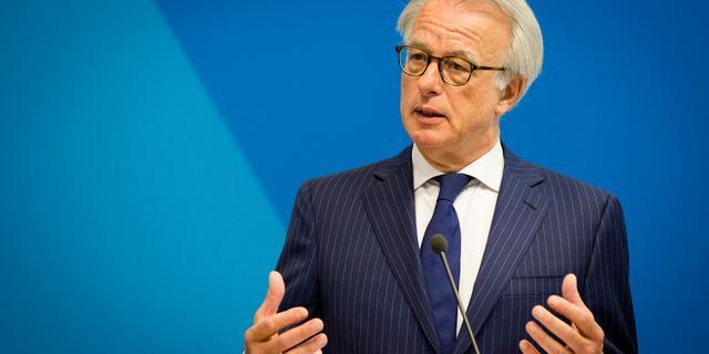 Van Aartsen wil minister Vluchtelingenzaken