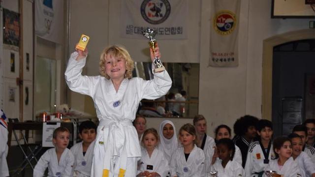 Vooral plezier tijdens jeugdtoernooi Taekwondo Vereniging Leiden