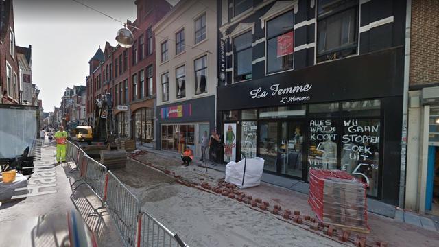 Veel rookschade na brand in kledingwinkel Haarlemmerstraat