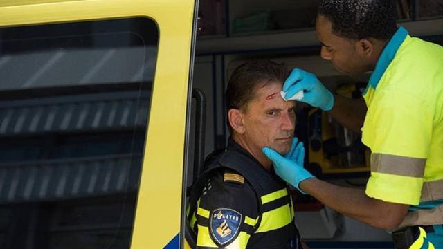 Gezin valt politieagenten aan bij aanhouding in Oss