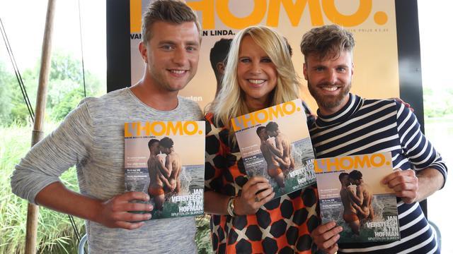 Zoenende hetero's op cover L'Homo maken de tongen los