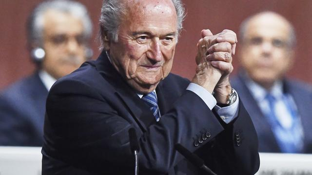 Blatter wil dagelijks bestuur FIFA wijzigen, Engelsman Gill stapt op