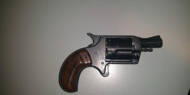 Politie stuit op geladen pistool tijdens controle Groningen