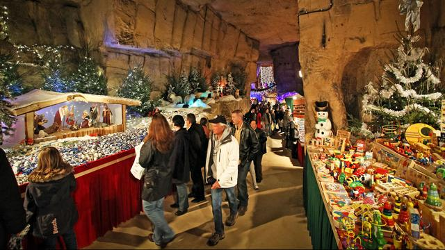 Bezoek ondergrondse kerstmarkten in Valkenburg vanaf 16 euro