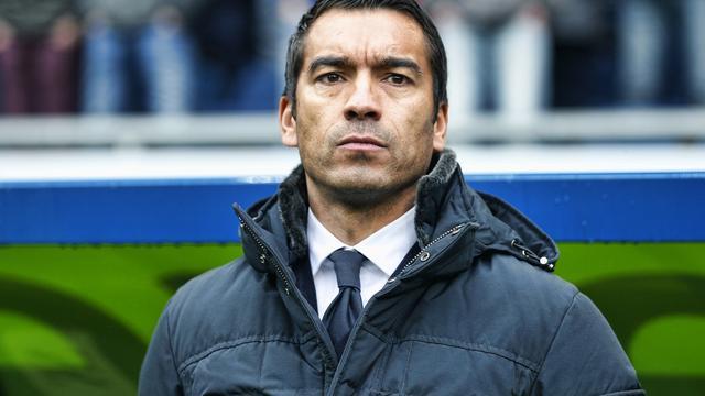 Van Bronckhorst heeft fitte selectie, Cocu eist scherpte bij PSV