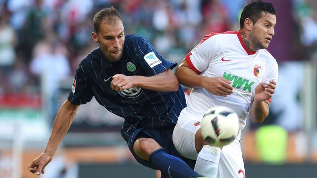 Assist Dost bij winnend Wolfsburg, Huntelaar onderuit met Schalke