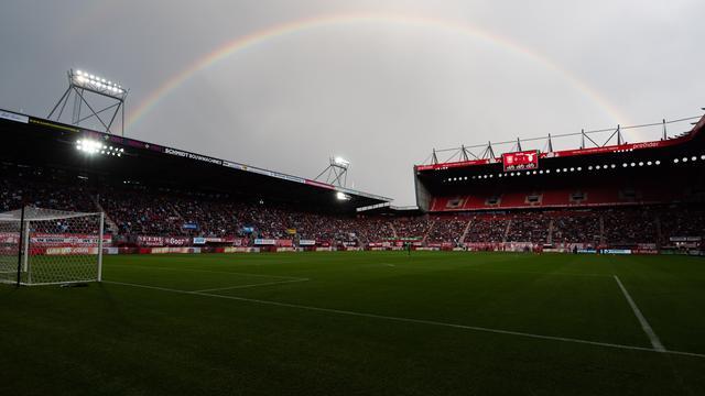 In de Grolsch Veste waren twintigduizend toeschouwers aanwezig bij Twente-Lazio.