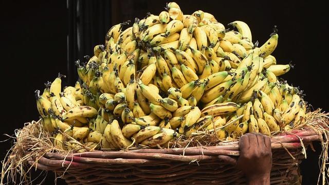 Indiase politie dwingt juwelendief veertig bananen te eten