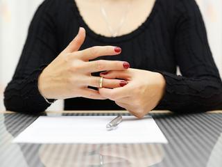 Vrouwen kregen te maken met koopkrachtverlies van bijna 25 procent