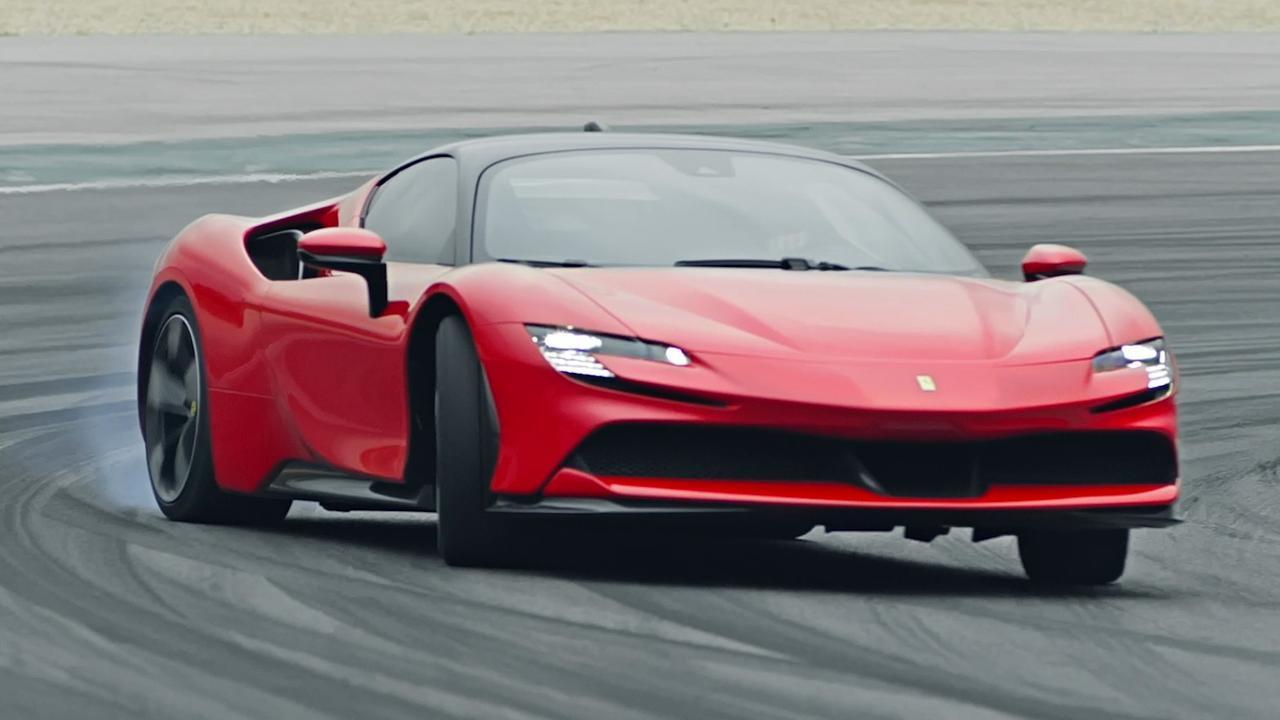 Ferrari presenteert SF90 Stradale