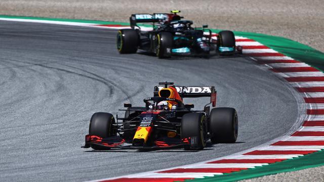 Max Verstappen in actie tijdens de kwalificatie voor de Grand Prix van Stiermarken.