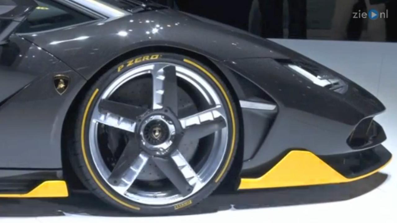 Lamborghini presenteert nieuwe auto tijdens Autosalon