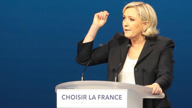 Le Pen kopieert delen toespraak Fillon