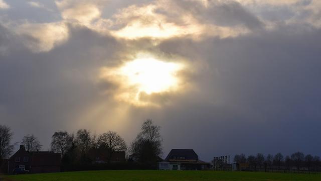 Weerbericht: Woensdag begint bewolkt, later breekt de zon door