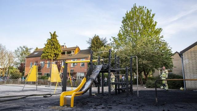 Speeltoestel basisschool in Lunetten grotendeels verwoest door brand