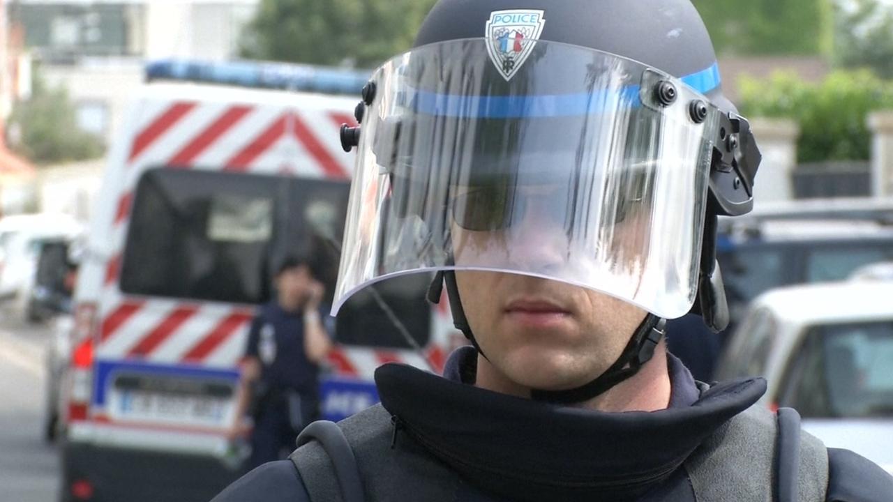 Veel politie bij anti-terreuroperatie ten noorden van Parijs