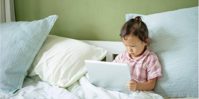 Slijm maken, games en meer op YouTube: 'Leer kinderen kritisch kijken'