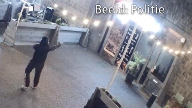 Politie geeft beelden vrij van beschieting twee restaurants in Utrecht