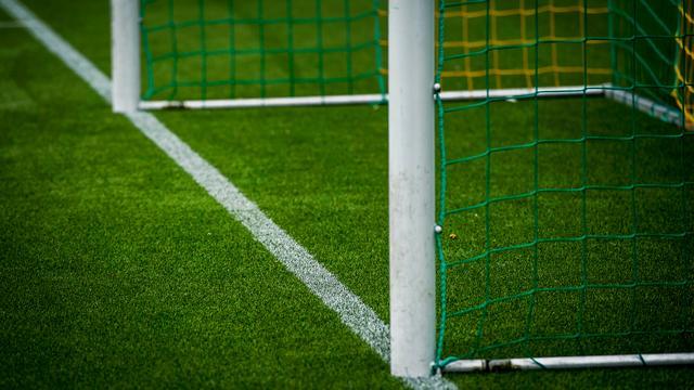 Kunstgrasvoetbal voor sportpark De Roosberg