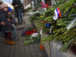 128 doden bij bloedigste aanslagen in Frankrijk ooit, drie dagen nationale rouw afgekondigd