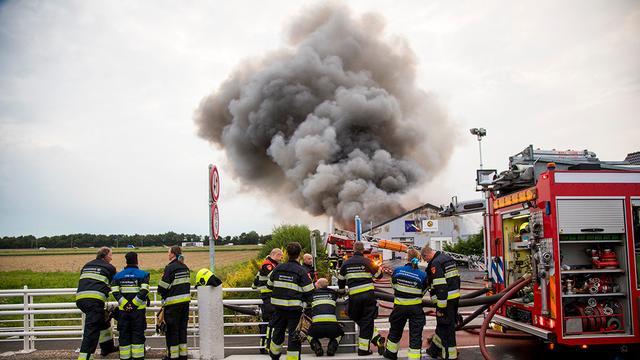 A9 bij Schiphol even afgesloten vanwege brand