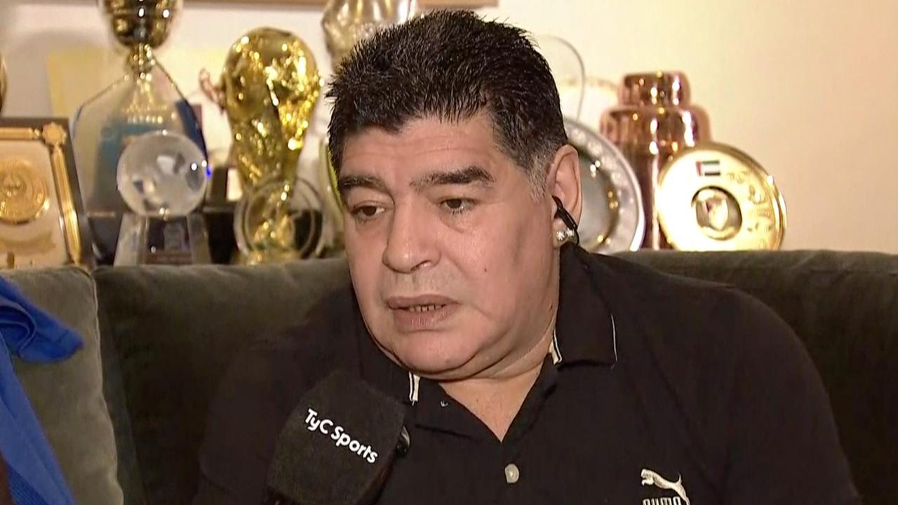 Diego Maradona uit kritiek op Jorge Sampaoli en Dani Alves