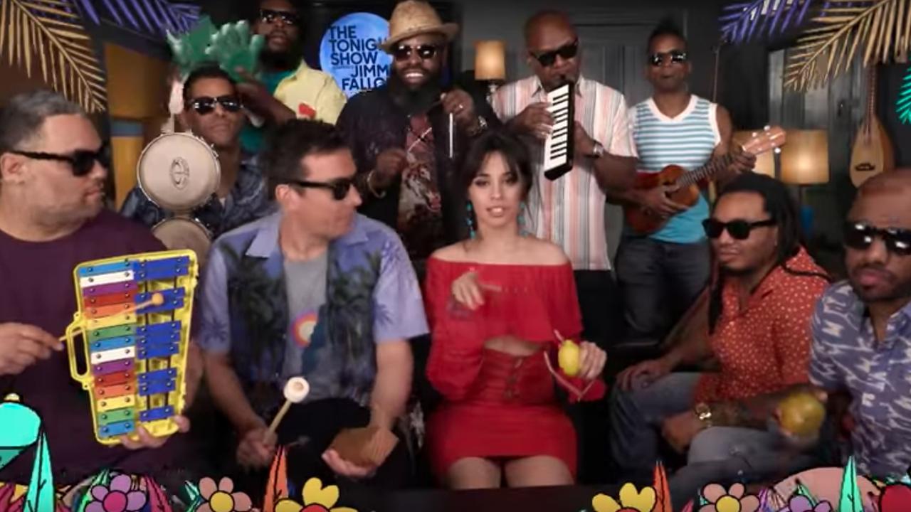 Camila Cabello zingt hit 'Havana' met kinderinstrumenten