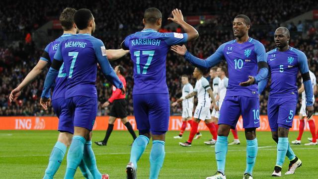 Janssen en Narsingh helpen Oranje op Wembley langs Engeland