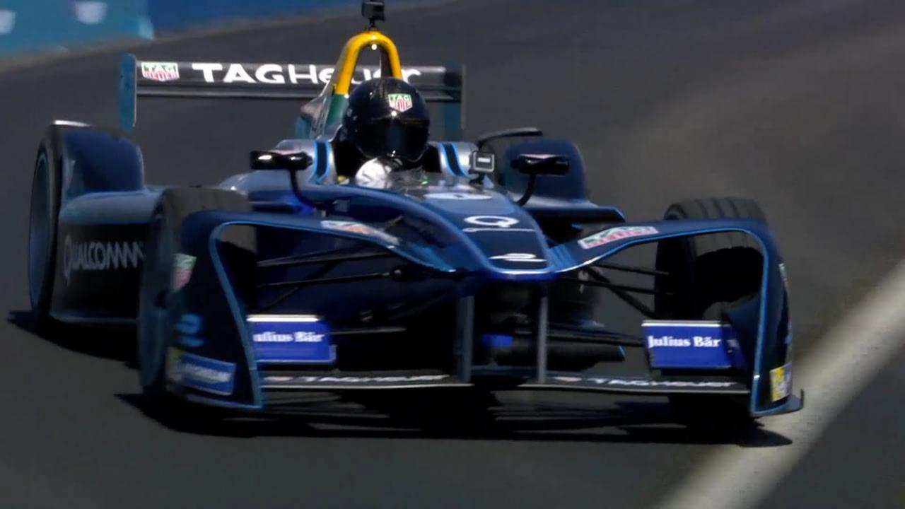 Chris Hemsworth test elektrische raceauto in New York