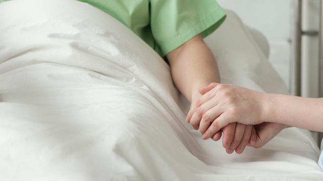 Verlamde Nederlandse man kan tijdelijk weer bewegen en praten door slaappil