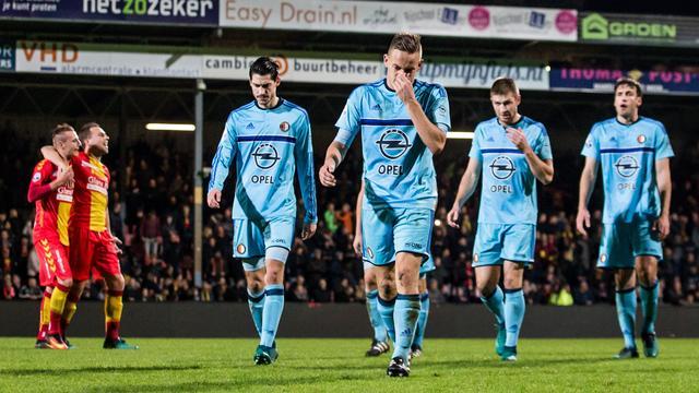 Feyenoord verliest bij Go Ahead en ziet Ajax en PSV dichterbij komen